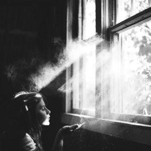 alone-black-and-white-girl-imagine-photography-Favim.com-459140